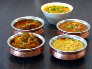 plusieurs plats indiens