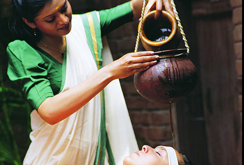 Faire une cure ayurvédique, recevoir des massages, des soins