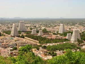 1280px-View_over_Arunchaleshvara_Temple_from_the_Red_Mountain_-_Tiruvannamalai_-_India_01